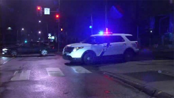 Officer injured during foot chase in Southwest Philadelphia-