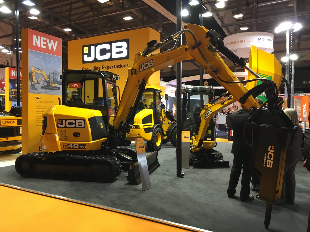 We're at @ExecHireShow this week! Here's one of the main attractions, the brand new 48Z-1! https://t.co/fP2gfQNLQF https://t.co/PLnQXNagnF