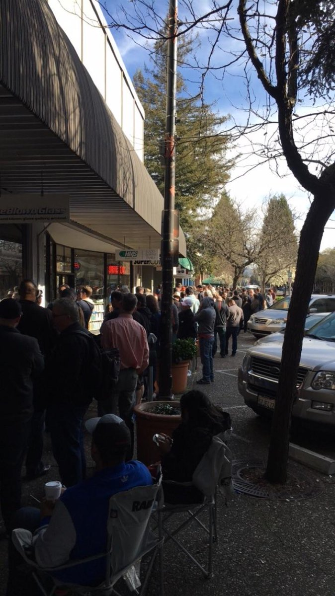 Want to get your hands on PlinyTheYounger? Here's the line at 10AM for the highly sought-after brew in SantaRosa.