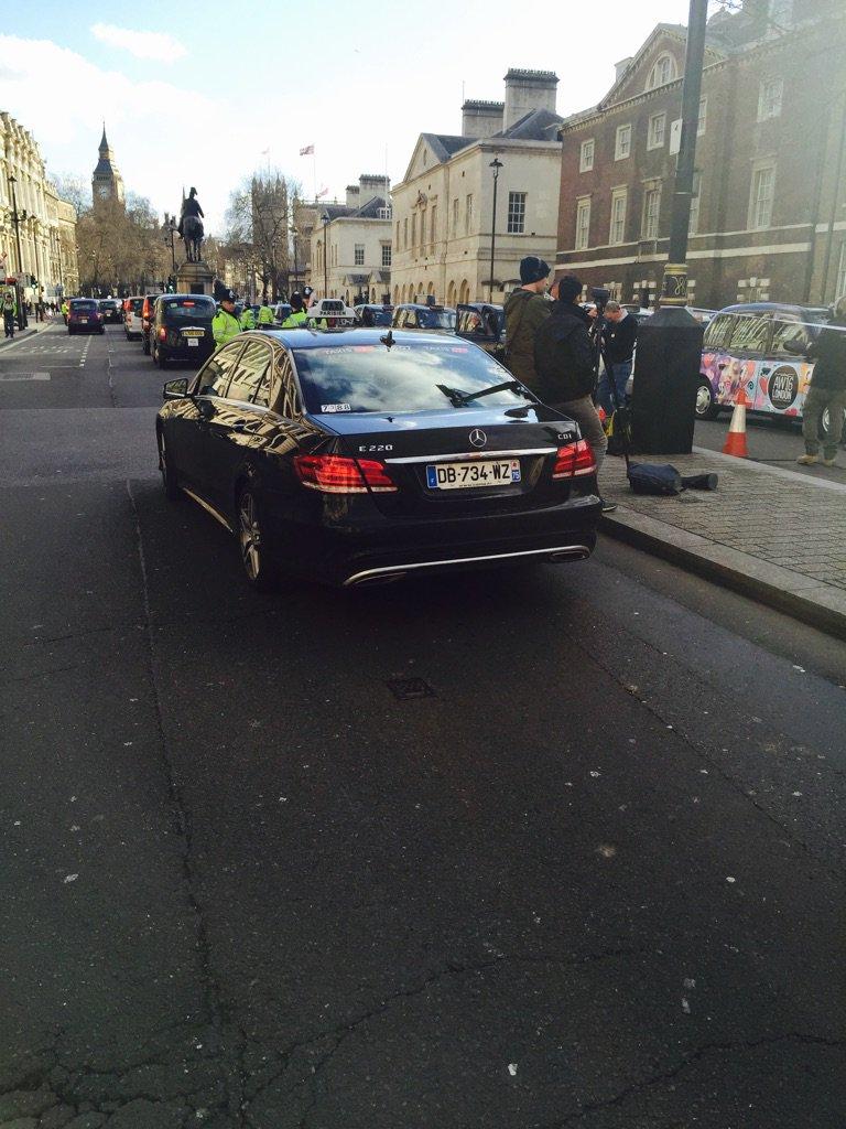 Paris taxi in London demo https://t.co/UPtvh11ET5
