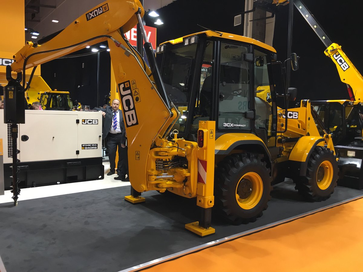 Another showstopper on the JCB Stand @ExecHireShow, the 3CX Compact. Find out more here: https://t.co/EQYlf5Ou5Z https://t.co/d2uKmL1Eqc