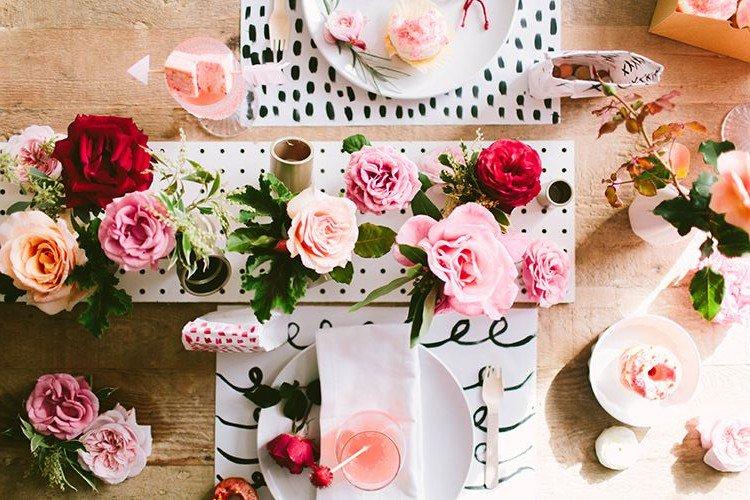 Tischlein deck dich! Die schönsten #gutenmorgen Deko-Ideen für den Valentinstag https://t.co/x8mGBcsjZV https://t.co/7gym3jA6YI