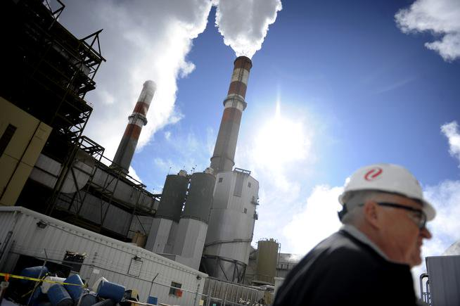 Colorado officials won't halt Clean Power Plan efforts despite ruling: by @JesseAPaul