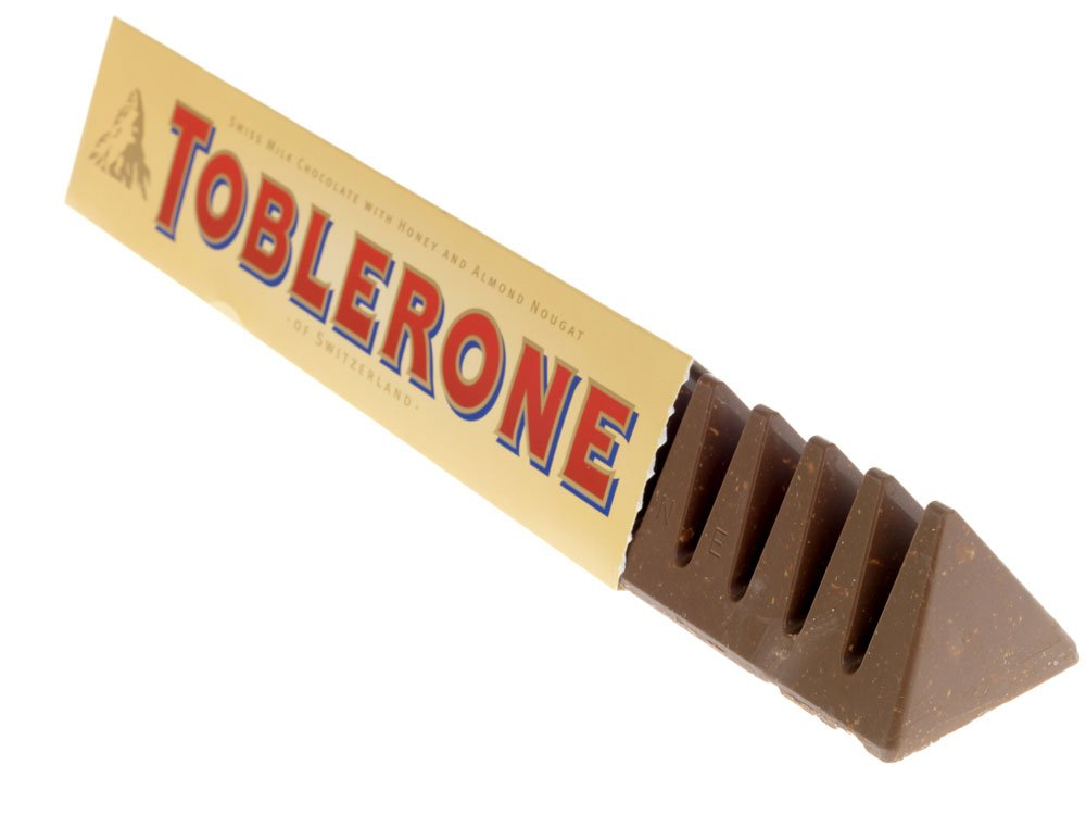 So we've been eating Toblerone WRONG this whole time... https://t.co/FBxOphzZtN https://t.co/mUltU05Uor