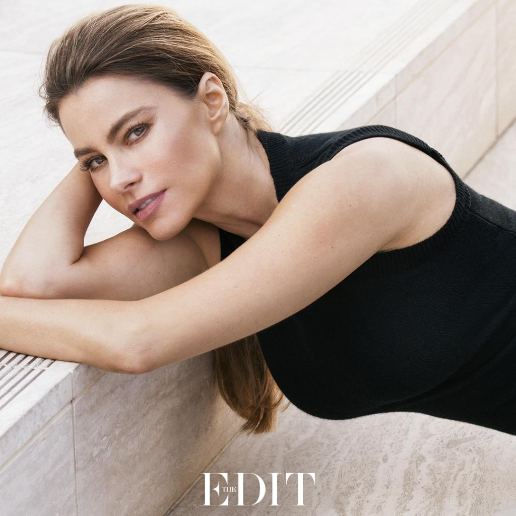 Star of #ModernFamily @SofiaVergara reveals how she's combatting the signs of aging #THEEDIT https://t.co/r1wXzCrN7L https://t.co/iGHXgpdq72