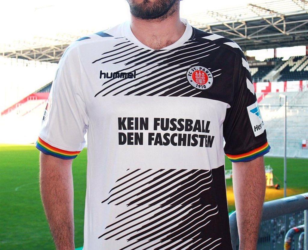 La maglia del St. Pauli contro il fascismo | numerosette.eu