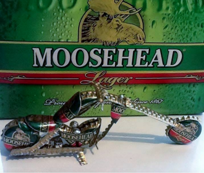 Check out this unreal bottle cap motorcycle. RT this to show this some love! #mooseheadmoment https://t.co/PLSLJoIYnh