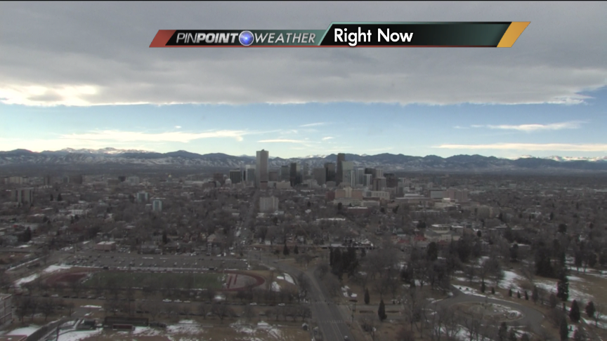 Cool view of mtn wave cloud over Denver that helped kick up the winds this aft.