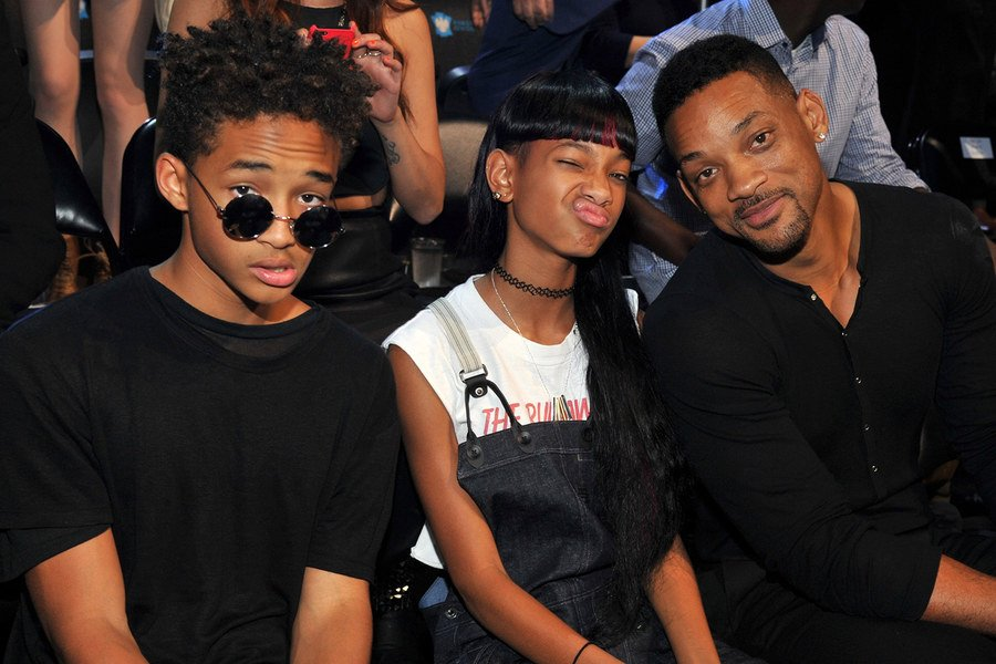 "Will Smith says ""I think we may have gone too far"" in parenting Willow and Jaden https://t.co/OVnAgtAh4a https://t.co/zduKXwssUO"