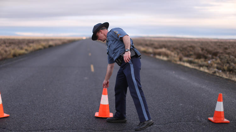 FBI says it has surrounded last occupiers at Oregon refuge