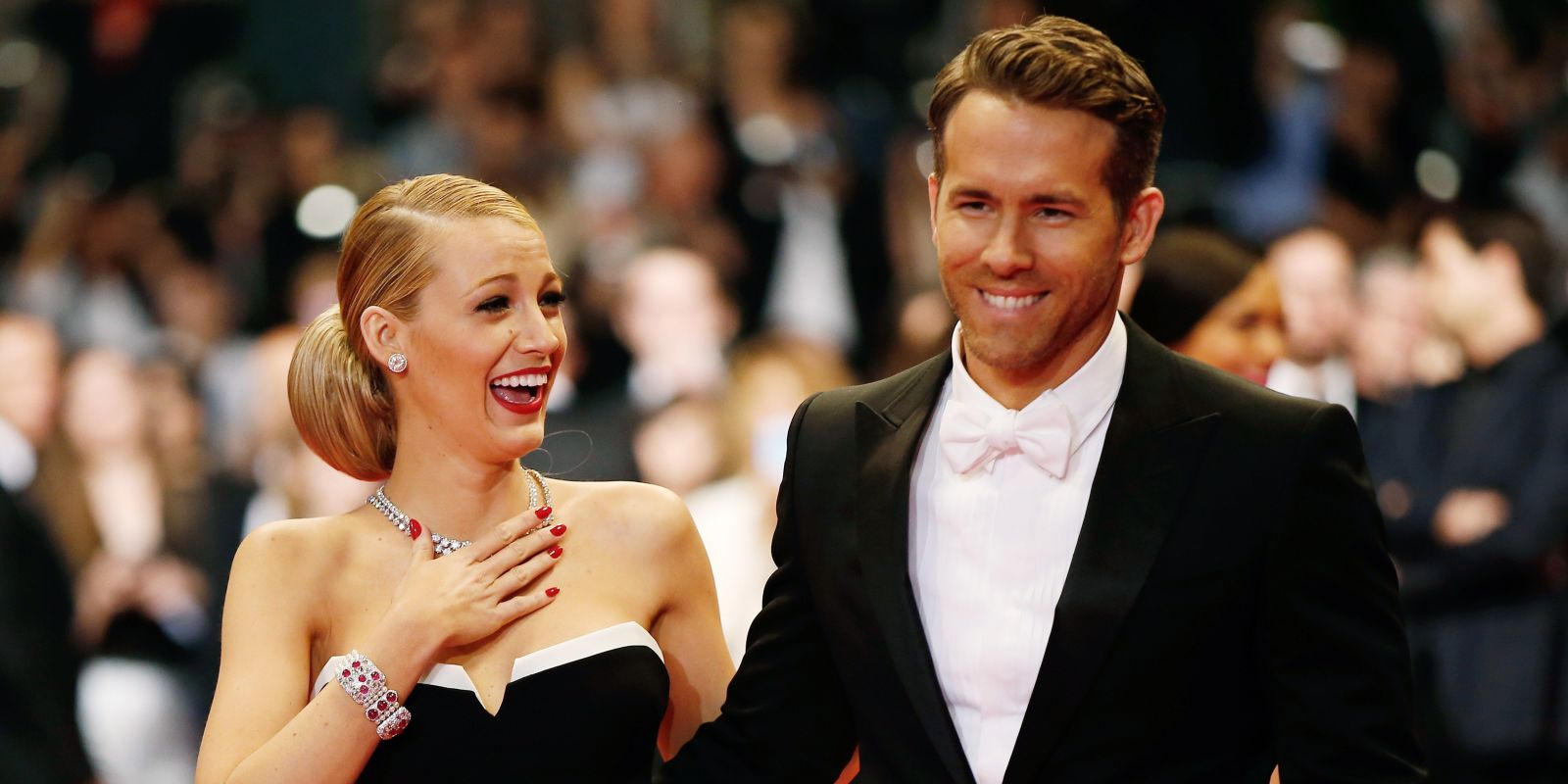The funny story of Ryan Reynolds and Blake Lively's first date is straight out of a rom-com: https://t.co/r2ydTmpH48 https://t.co/6jt0WB0GmE