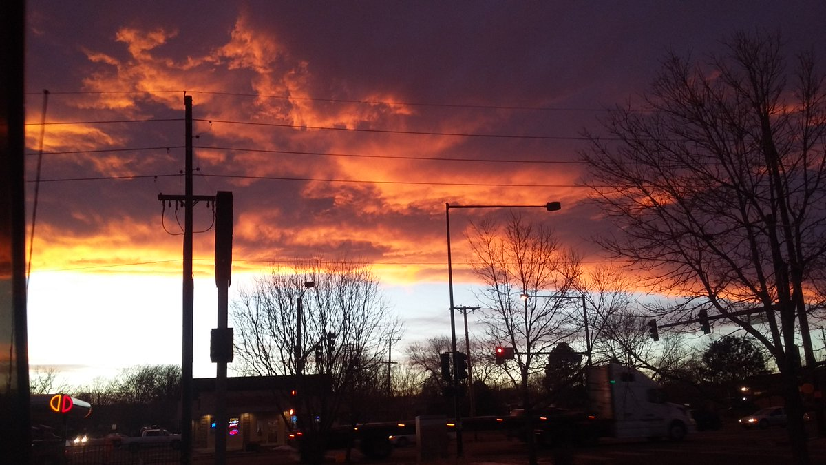 Viewer Rianna Perez sent over this pic of Denver's awesome sunset this evening.