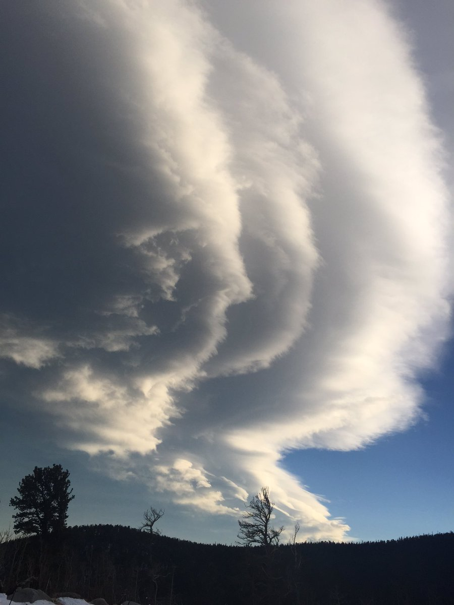 The sun changes things. 4wx COwx Mountain wave
