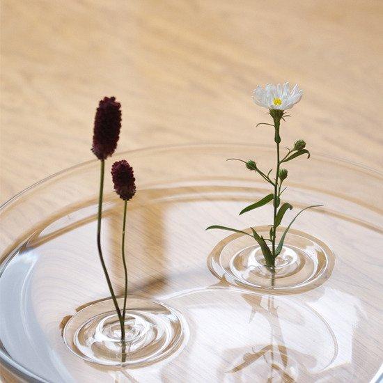 水に浮かべて使う一輪挿し 【oodesign】Floating Vase / RIPPLE  https://t.co/MVVPtur2be https://t.co/35mtwTw1Si