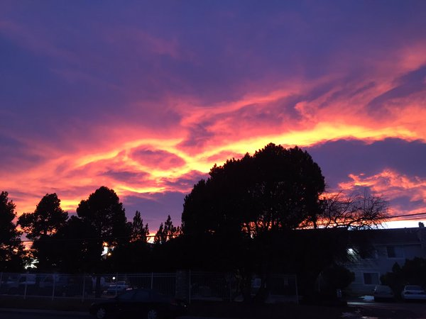 More stunning FIRE in the SKY tonight. I will show more in minutes on Denver 7 at 10 PM. @DenverChannel cowx