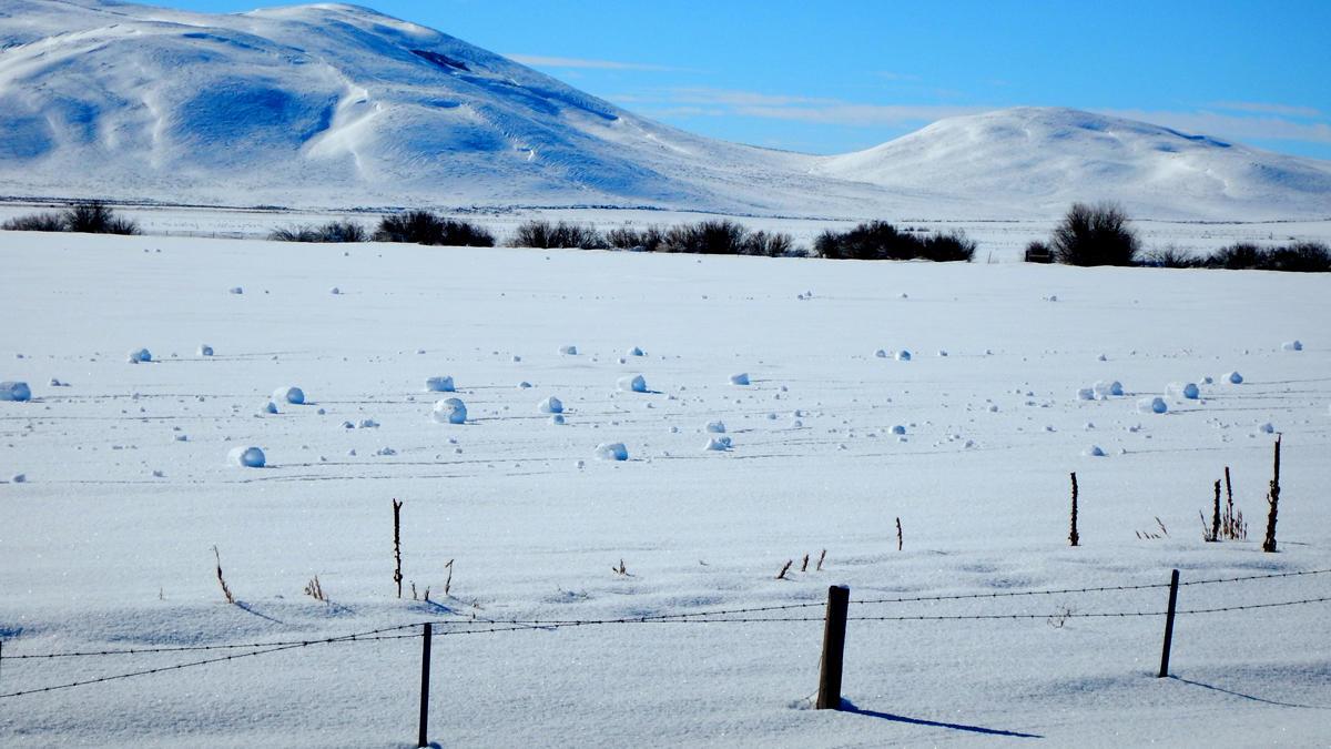 What causes random snowballs?