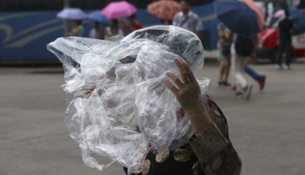 Hong Kong won't be immune to the #risks of #climate change  http:// buff.ly/1SaWfFk  &nbsp;  <br>http://pic.twitter.com/66npfgShuu