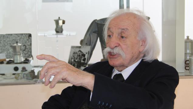 """È morto Bialetti, """"omino coi baffi"""" caffettiera moka"""