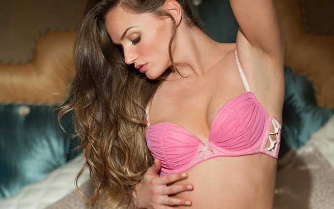 In the mood for a gentle touch of @misstoriblack? (https://t.co/oS8zZFaFuD) Try her #fleshlight! https://t