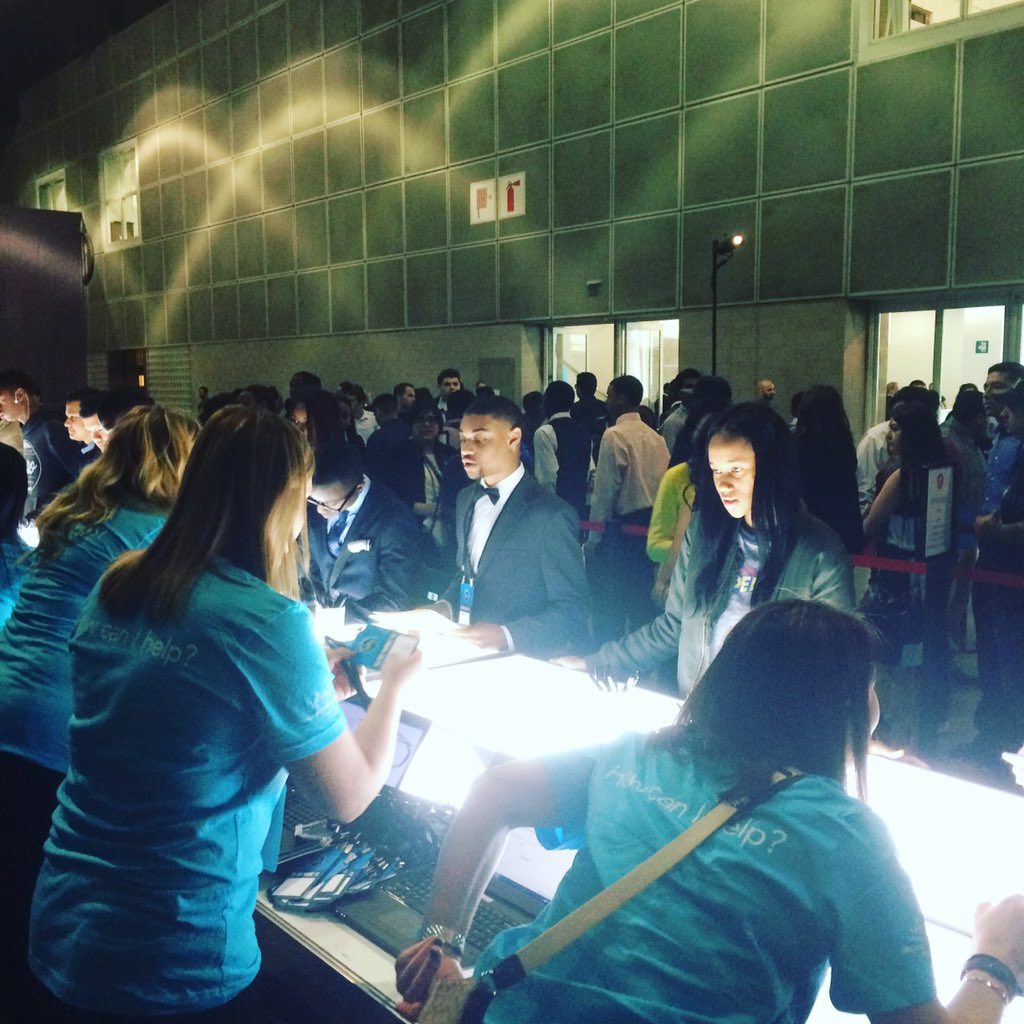 Today is the big day! Nearly 8,000 LA youth ready to #startsomewhere with #100kOpportunities ! #careers