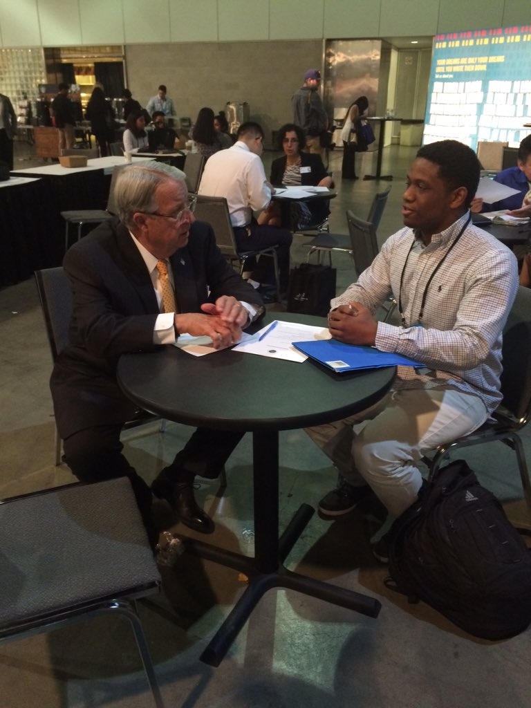 Supervisor @DonKnabe conducting a mock interview with one of the participants at #100kOpportunities #startsomewhere