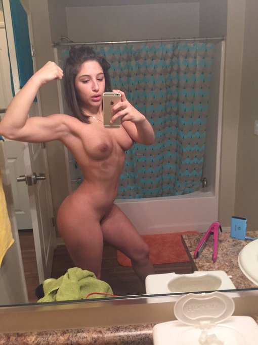 As I iron my hair I realize my arms are to shredded for my own good. #BadGirl ?? https://t.co/vQ2PQz