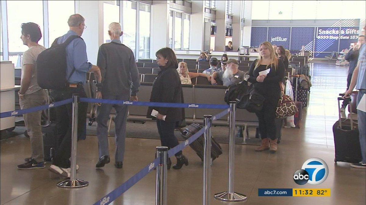 @SouthwestAir makes bid to start serving Long Beach Airport