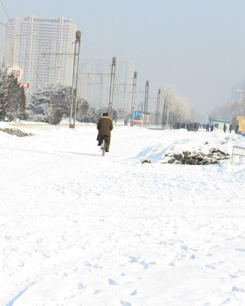 الحياة في كوريا الشماليه ..........متجدد  Ca9nf35WIAAEAyv