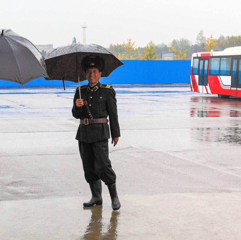 الحياة في كوريا الشماليه ..........متجدد  CaFY9a6W0AEKful