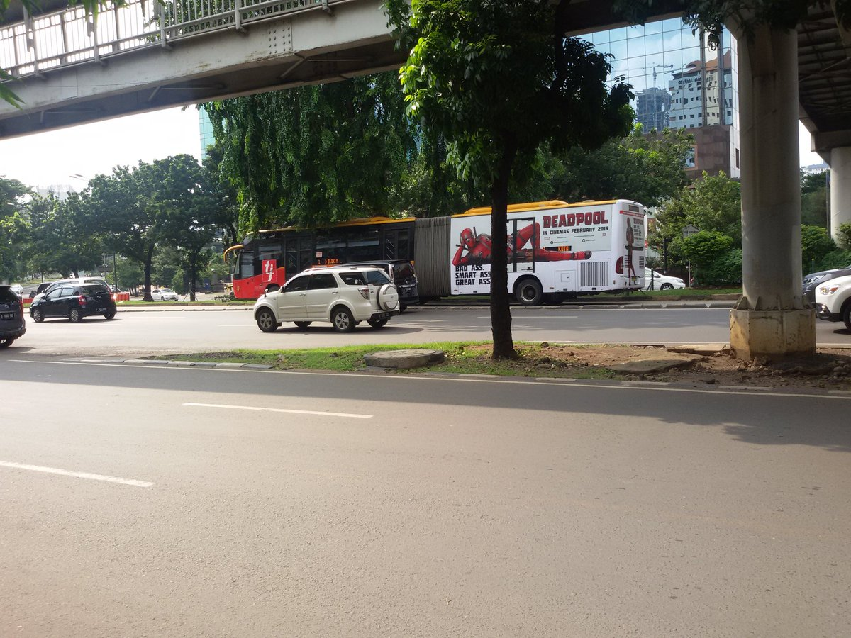 @20thCFoxID DeadPool is already in TransJakarta #DeadPool #Promotion cc : @VancityReynolds https://t.co/8w0VcO5pUv