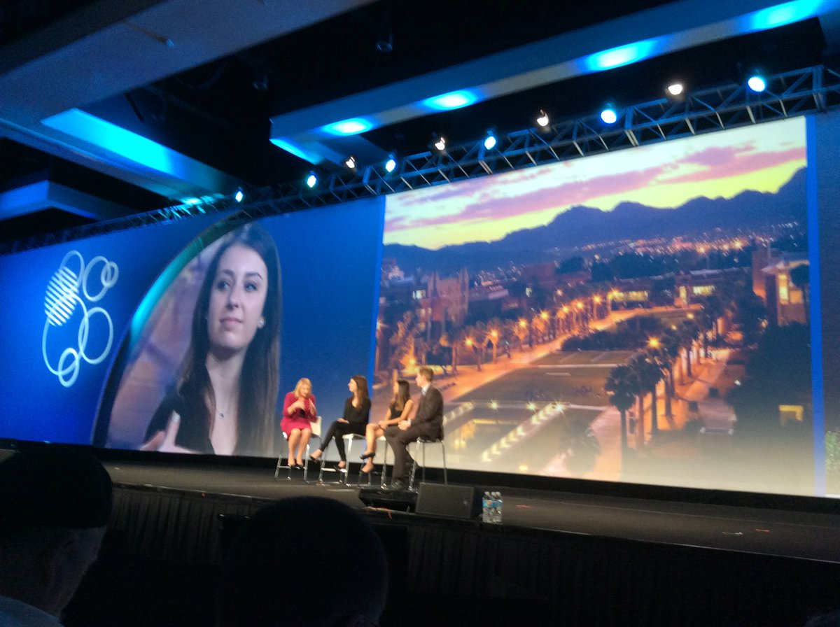 IBM helping students learn how to use social tools to collaborate and applying in working world.#IBMConnect https://t.co/km7fNfBSxt