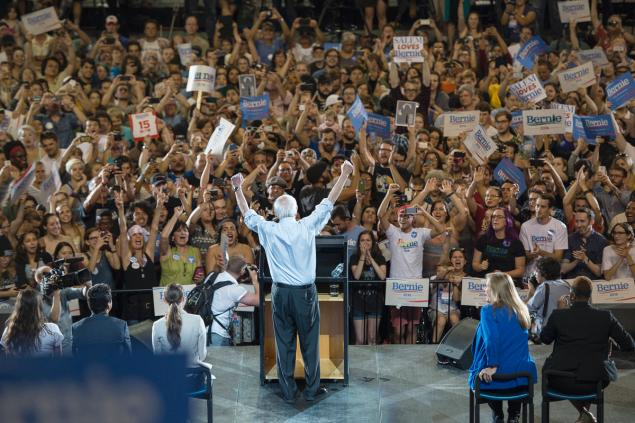 Wall Street has their candidate, the people have Bernie Sanders #CaucusForBernie #FeelTheBern #IowaTODAY https://t.co/K8Fn0wWTV1