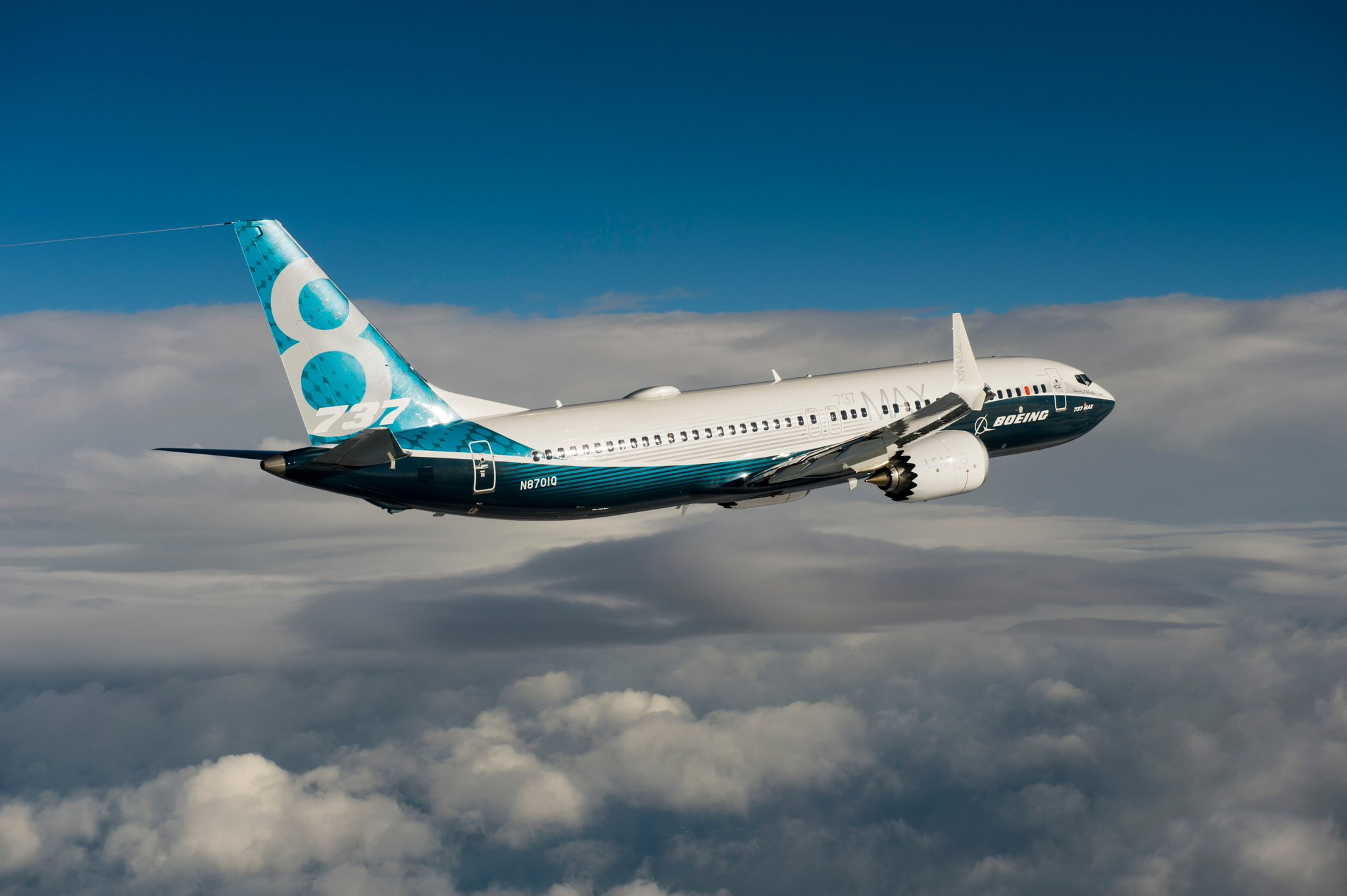 B737 MAX first flight