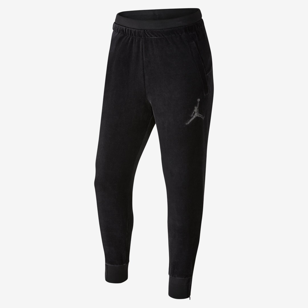 4ed7350ce81 Dudes r going to be looking like this RT @J23app: Jordan x OVO velour hoodie  and pants pic.twitter.com/IuBBvFWHEypic.twitter.com/GetJMXZNtS