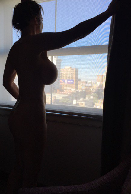 Tw Pornstars - Deauxma  Twitter Hubby Took A Picture Of Me Opening The Drapes In -5848