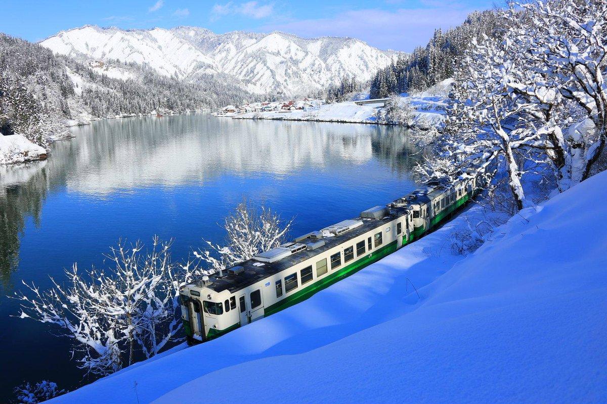現在受付中の好きなJRローカル線ランキングで奥会津を走る「只見線」がただいまダントツ一位!冬の只見線は息をのむ景色の連続ですよ。写真好きにもたまりません。 https://t.co/kaWWQcGTJY https://t.co/2vh4JjWb9K