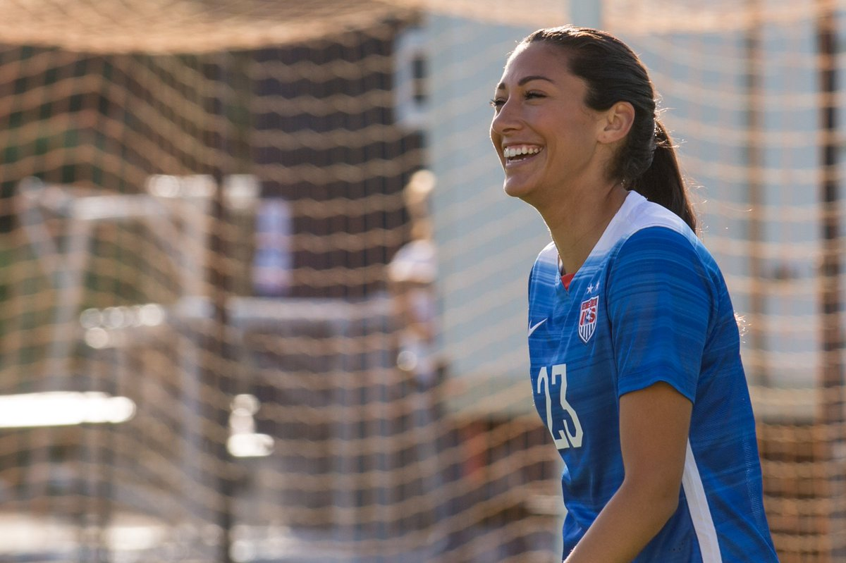 .@ChristenPress (of soccer glory) talks to @hellogiggles about being a pro female athlete https://t.co/5K4oGKhZFg https://t.co/OefBPMloLO