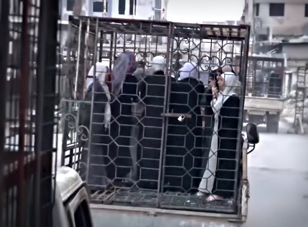 Man who paraded women around in cages on streets of #Syria now strolling the streets of #Geneva. #GenevaPeaceTalks https://t.co/JeofdAhyGu