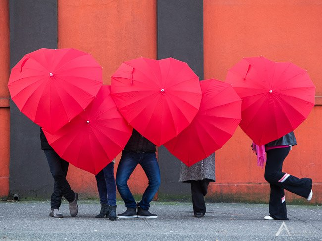 £5 off heart shaped umbrellas - use VALENTINE at checkout #womaninbiz #wineoclock https://t.co/K0mwbUNUFk