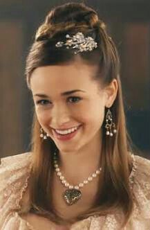 """HEΓENA on Twitter: """"Rose Williams is so cute & adorable ♪ #Claude #Reign https://t.co/F25m4Xlf60"""""""