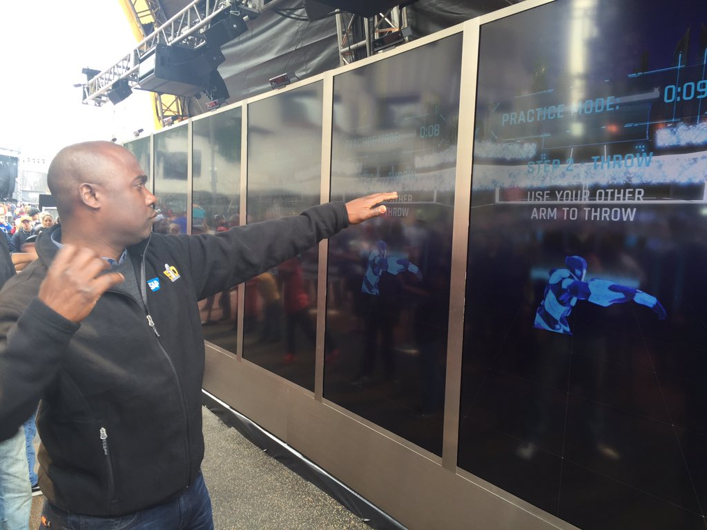 NFL Hall of Famer @marshallfaulk takes a trip through the Fan Energy Zone powered by @SAP. https://t.co/G0cf23MtnO