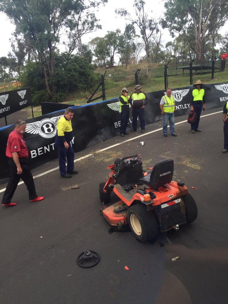 Old mate had a bit of understeer at the elbow #shunted #bathurst12hour https://t.co/Vw8DRBGeBD