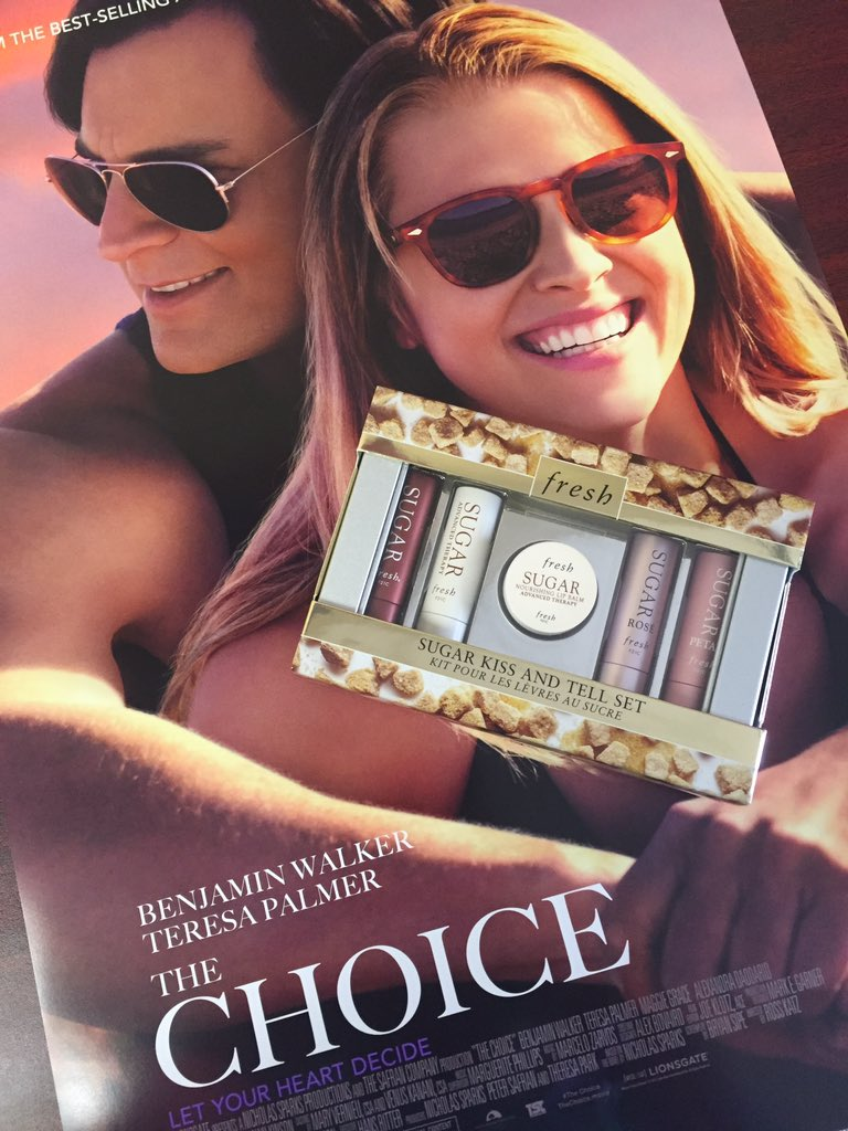 I'm kissing&telling: #thechoice I make to prep my lips is @FreshCosmetics!RT to win lip set & @TheChoiceFilm book! https://t.co/p2jWojDhyV