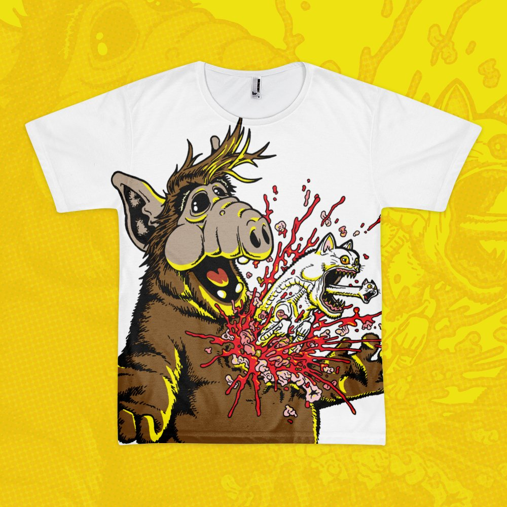 Remember ALF? He's back...in sublimated t-shirt form! 'Melmac Menace' tees now available :: https://t.co/oseva7c9OP https://t.co/I6Rx6S5EmD