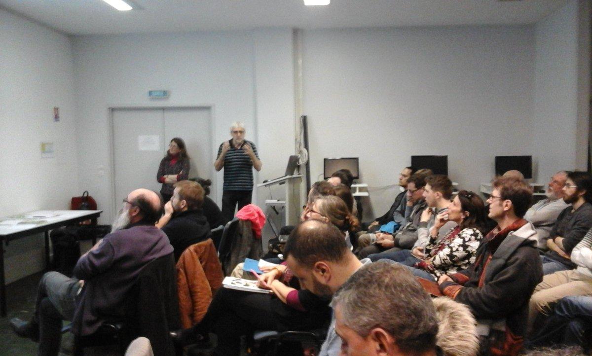 #mednum @coraia Lancement de la rencontre d hiver par @guypastre. Salle comble. Même les marseillais sont là.. https://t.co/8nuDxY3Fqz