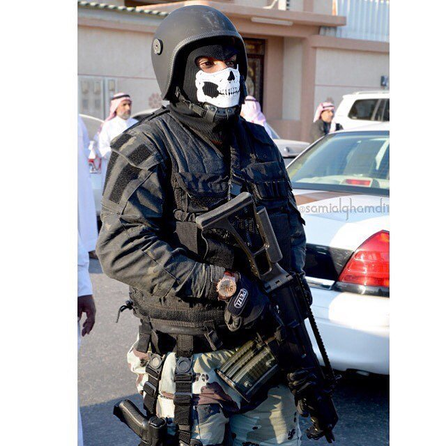 ابطال الحرمين En Twitter صورة جندي من قوات الطوارئ الخاصة السعودية اثناء التواجد في الأحداث الارهابية الاخيرة في الأحساء Https T Co Xk5dvlikd8