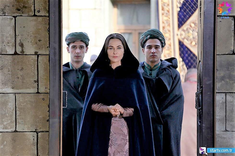 Destuuuuuuur Safiye Sultan Hazretleriii ;)  Star Tv'deyiz! #MuhteşemYüzyılKösem #ŞehzadeMehmed  @MyyKosem https://t.co/UA7Zp4kJXu