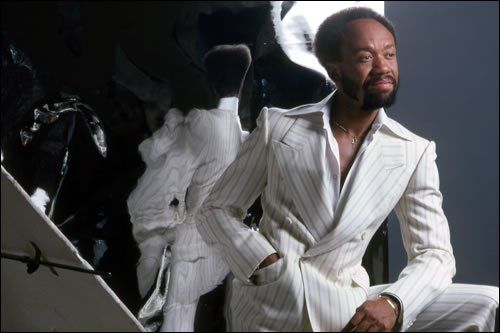 RT @GGNewMusic: RIP: Earth, Wind & Fire founder Maurice White passes away at 74 https://t.co/3LJuL4hDrs https://t.co/ZPRl4dHP3m