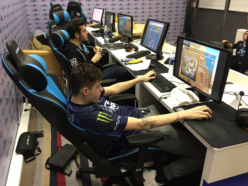 Tips for Improving Posture GlobalOffensive : CaZfyD6UAAANWfN  from www.reddit.com size 600 x 450 jpeg 70kB