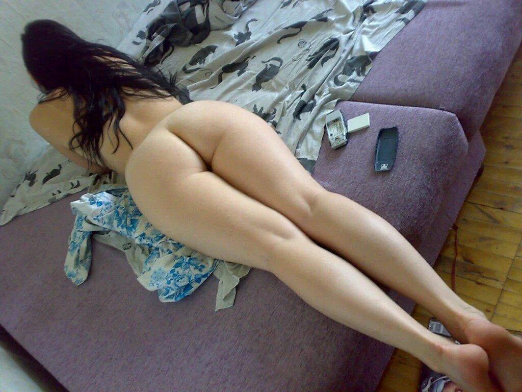 голая частное лежит фото